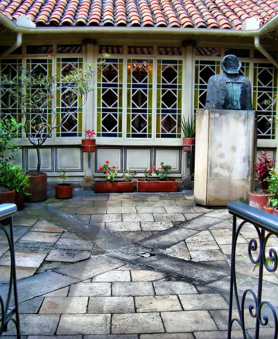 Lea los poemas de uniandinos que ganaron mención de honor en el concurso de la Casa de Poesía Silva